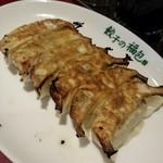 37920610 - 焼き餃子290円ニラニンニクあり