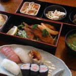37924942 - 【2015.5】お寿司(握り)セット\1,100-