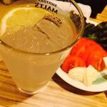 串バー 山三 - レモンサワーと冷やしトマト