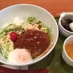 清月茶房 - 老舗和菓子屋2階で頂く洋食はいいですね。今日は限定ロコモコ丼をいただきました。ご馳走様でした。