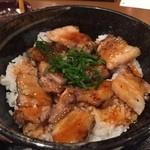 芝虎 - 炭焼き豚バラ丼¥500(木曜限定)