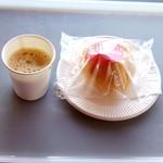 Oomugikoubouroa - コーヒー&シュークリーム:全景図 by ももち