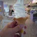 花畑牧場カフェ - 北海道ミルクソフトクリーム