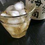 37955955 - 梅乃宿の梅酒   ロックで