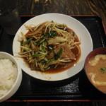 まんぷく食堂 - ニラレバ定食¥500(2015.05)