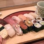 37962238 - ランチの握り寿司