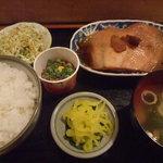 酒処ふなき - かれい煮魚定食600円+納豆100円