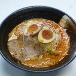 富士川サービスエリア(下り線) スナックコーナー - 料理写真:富士山赤辛ラーメン