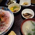 まりーな亭 - 三崎の幸 満開丼