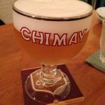 37978660 - ベルギーの生ビール。シメイゴールド。