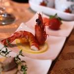全聚徳 - 前菜三種 海老,お肉の冷製、トマトのピクルス