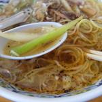 37989884 - 五香麺のセロリ