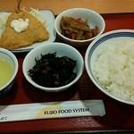 近江八幡友定食堂 - ご飯、きんぴら、ひじき、アジフライで464円(税込)