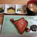 37995165 - 焼魚(金目鯛塩焼)