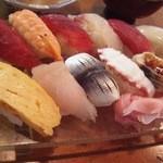 蛇の目寿司 - ランチのにぎり一人前半