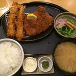 かつはな亭 - 黄金豚のロース&海老フライ定食 1544円