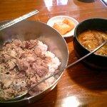 トォンデジ - 豚丼+チゲ