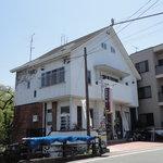 京乃ちりめん山椒 毬りん - 入り口は、北向きの建物です。