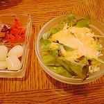 喫茶 茶房菜々や - セットのサラダ、カレーの添え物