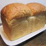 ena - 食パン1本¥400(税抜)@'15.5.上旬