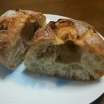 さちパン工房  - 小豆リュスティック