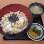 道の駅 針テラス ノースリリィ フードコート - 料理写真:大和肉鶏の親子丼 750円