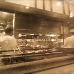 松玄 凛 - ●お店に訪問☆シュミレーション▶︎【8】厨房はガラス越しでぼんやりと見えます!