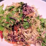 金泉 - 野菜たっぷりのチョリゲサラダ