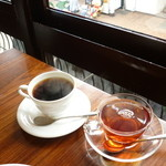 Cafe & Kitchen Rabbits - オーガニック珈琲と紅茶