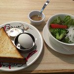 トマト&オニオン - 料理写真:トーストセットと追加でミニサラダ99円