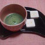 金閣寺不動釜茶所 - 金閣寺のお菓子と金閣寺のお抹茶(おうちで)