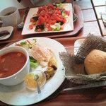 3801810 - ランチセットで奥はスモークサーモンご飯、手前はトマトスープサラダ