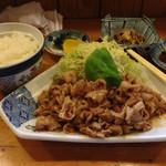 飛客亭 - 料理写真:豚ばら肉の生姜焼定食