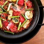 バル トト - ベーコンとグリル野菜のパエリア