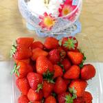 音の花温泉 直売所 - 料理写真:前田さんのいちご 1パック:750円