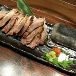 38017497 - 霧島黒豚の腕っぷし溶岩焼(890円)