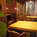 アガリコ ターブル - テラス席 2名、3名用テーブル各1卓