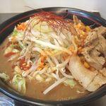 麺創研 紅 - 妻の紅らーめん 800円