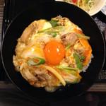 38021648 - 少し甘めのつゆと濃厚な卵の風味、良質な炊き具合の米、全てハイレベル。