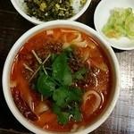 XI'AN - 麻辣刀削麺と高菜ごはんのハーフ。ボリュームあり。