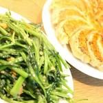キリン - 空芯菜炒めと餃子
