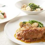 ■トリニータ 有機野菜サラダとお肉料理のセット