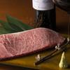 金澤能登牛 牛や 榮太郎  - 料理写真:贅を極めた最高級部位を。風味、旨みとも最高級。表面だけかるく炙り、山葵塩でお召し上がりください。