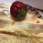 コーベル - フルーツの入ったババロアのようなケーキ