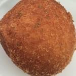 パンジャ - 煮たまごパン(214円)