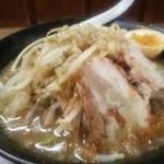 38031087 - ラーメン麺少なめ煮玉子付き750円 ニンニクカラメ