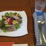 ビストロ・プチ・ブラン - サラダはお箸が食べやすい♪