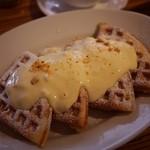 38031545 - 檸檬(レモン)とマスカルポーネチーズクリームのワッフル