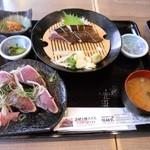 38031553 - 塩タタキと鰹の握り定食  ¥1,274