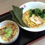 濱辰家 - 好きなラーメンとチャーシュー丼のセットで880円